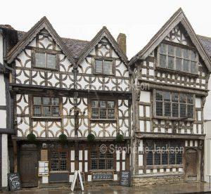 The historic 17th century Garrick Inn pub in Stratford-upon-Avon in Warwickshire, England