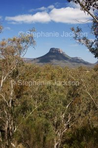 Pantoney's Crown, rocky mesa, geological feature in Capertee Valley in Gardens of Stone National Park in NSW Australia